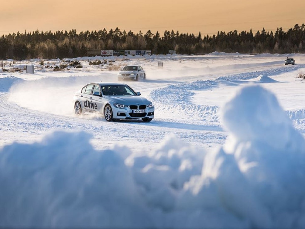 Winter driving on a raceway